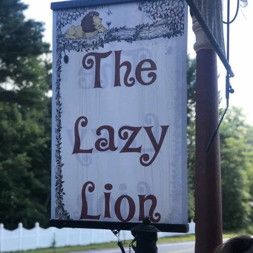 Lunch at The Lazy Lion In Deerfield NH